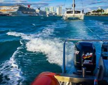 fast response towing catamaran