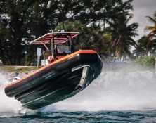 fast response vessel catching air