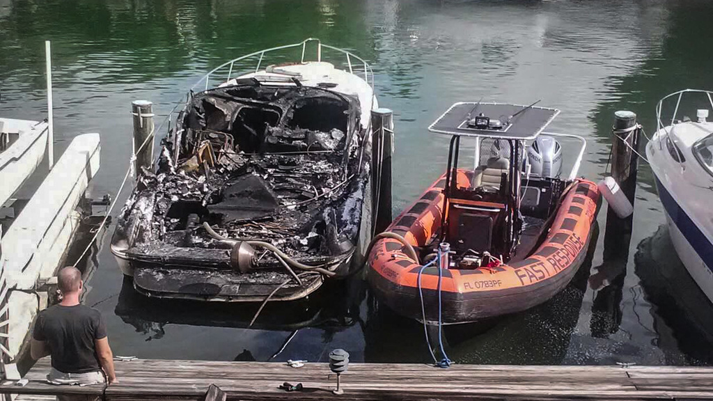 fire destroys boat