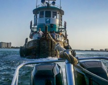 fast response marine towing tugboat