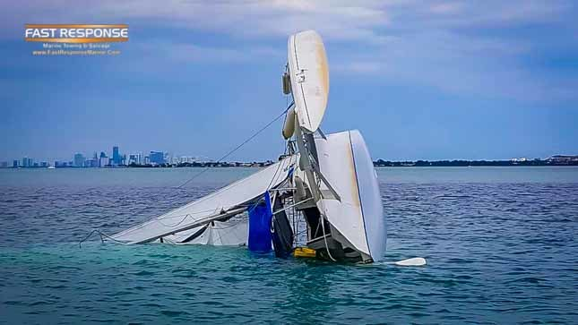 overturned trimarran